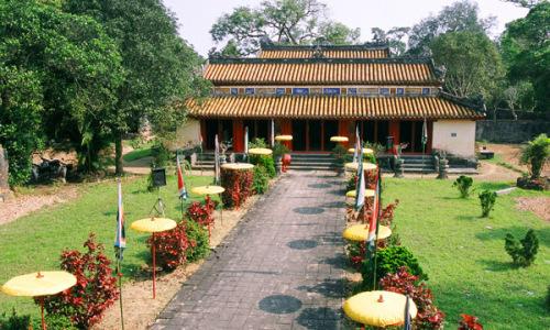 Chuyện chưa kể về lăng mộ triều Nguyễn