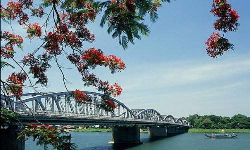 Nắng Phú Xuân