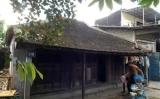 Những ngôi nhà cổ sắp sập ở Thừa Thiên Huế