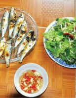 Về Phong Hải ăn cá trích nướng