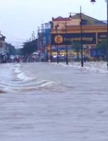 Mưa Huế, lụt Huế