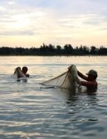 Độc nhất vô nhị nghề đi tủ của ngư dân làng Chuồn