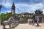 Về ảnh hưởng phong thủy của bãi đỗ xe lăng Khải Định