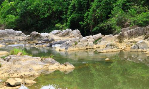 """<h2><a href=""""http://vanhoahue.net/2018/07/mat-diu-suoi-khe-day-hoa-trong-nui-rung-xanh-tham/"""">Mát dịu suối Khe Đầy hòa trong núi rừng xanh thẳm</a></h2>Suối Khe Đầy thuộc xã Bình Thành, thị xã Hương Trà, tỉnh Thừa Thiên Huế là một điểm đến mới đầy thú vị cho du khách muốn quên đi bao"""