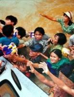 """20 năm đại hồng thủy 1999 – Ký ức """"dòng sông chết"""""""