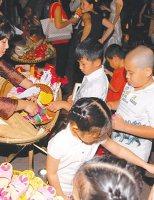 Phiên chợ Tết ở xứ Huế xưa