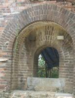 Hai cửa vòm ở Đông Thành Thủy Quan là cửa đặt đại pháo